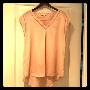 Silky soft/delicate peach short-sleeve top, size L